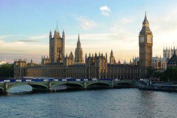 Parlamentarii britanici au respins mai multe variante de ieșire a Marii Britanii din UE. PE: Un Brexit dur a devenit  aproape inevitabil