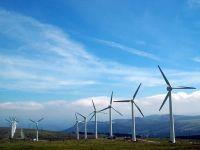 Peste 70% din producţia de electricitate a ţării vine din surse regenerabile, marţi după-amiaza. O parte este exportată