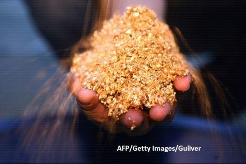 Aurul este din nou pe val: prețul, la cel mai ridicat nivel din 2015. Cât metal prețios scot din pământ minele din întreaga lume