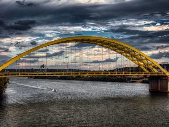 Guvernul trimite, vineri, la Bruxelles cererea de finanţare cu fonduri UE a podului suspendat peste Dunăre