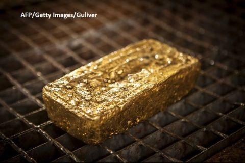Sute de tone de aur scos din pământ prin metode artizanale și cu prețul vieții ies ilegal din Africa. Unde ajunge metalul prețios în valoare de miliarde de dolari