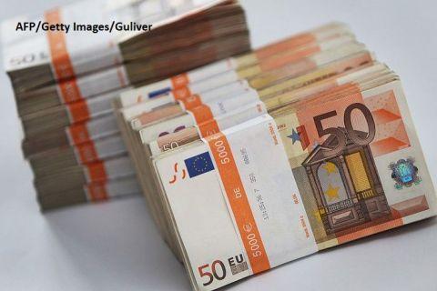 Cea mai mare putere a Europei  se târăște  pe marginea recesiunii. Contracția economiei germane afectează și alte țări