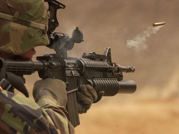 Este oficial: o armă de asalt Beretta va fi produsă în România. Câți bani investesc italienii la Plopeni