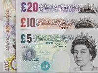 Lira sterlină, la cel mai scăzut nivel al ultimilor doi ani, pe fondul temerilor unui Brexit fără acord. Premierul scoțian:  Avem de-a face cu un guvern periculos