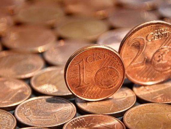 Euro a scăzut sub 4,72 lei. Leul se depreciază față de dolar
