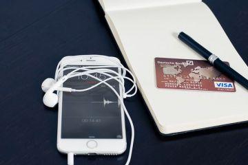 Românii înlocuiesc portofelul cu telefonul. Cât de sigure sunt tranzacţiile