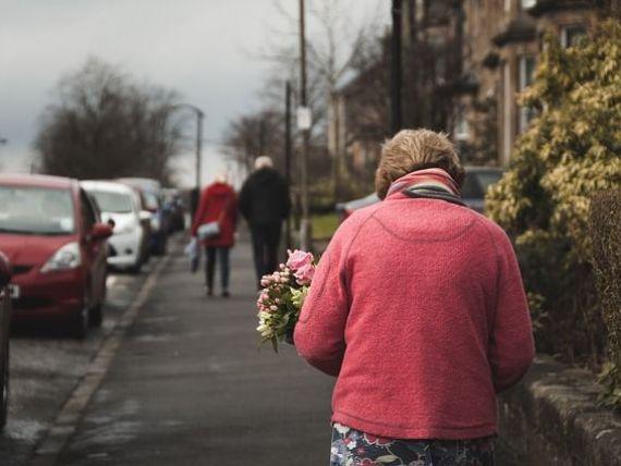 România, din ce în ce mai bătrână: numărul locuitorilor de peste 65 de ani a crescut cu 51% în ultimii ani. Orașul cu cei mai mulți tineri