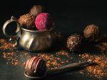 Povestea fascinantă a ciocolatei. Adusă în Europa de conchistadorii spanioli, a fost ridicată la rang de artă de inventatorul belgian Neuhaus