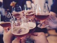 Țara care vinde alcool doar străinilor ieftinește băuturile și elimină  taxa pe păcat , introdusă la începutul anului