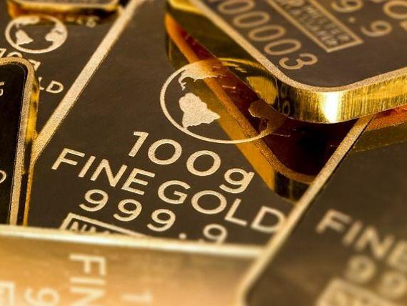 Aurul doboară încă un record în România, în ton cu tendințele internaționale. Lira sterlină, la cea mai scăzută valoare din ultimii doi ani