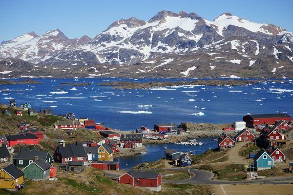 Preşedintele Donald Trump și-a exprimat dorința de a cumpăra Groenlanda, pentru a extinde teritoriul SUA. În replica, Danemarca, țara care administrează insula, a catalogat informața drept o glumă de 1 aprilie.