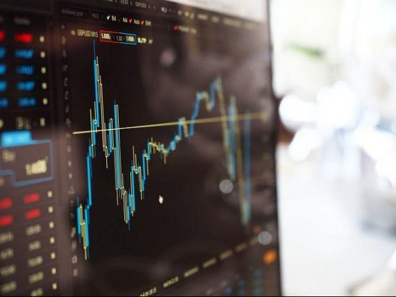 BNR: Dezechilibrele macroeconomice interne, cel mai ridicat risc pentru stabilitatea financiară, urmate de cadrul legislativ incert