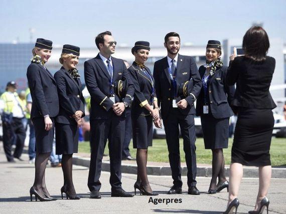 Tarom recrutează însoțitori de zbor. Ce condiții trebuie să îndeplinească candidații și ce probe trebuie să treacă
