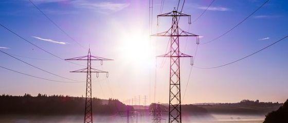 Prețul electricității atinge un nou maxim istoric, mai mult decât dublu faţă de ţările din regiune. Avem și cele mai scumpe gaze, din cauza OUG 114/2018